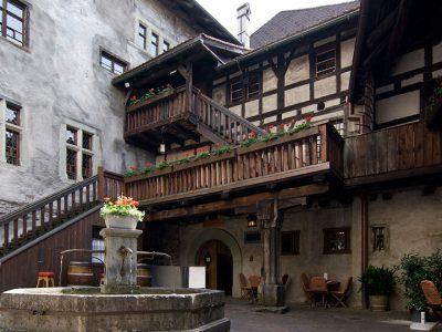 schattenburg-feldkirch-innenhof